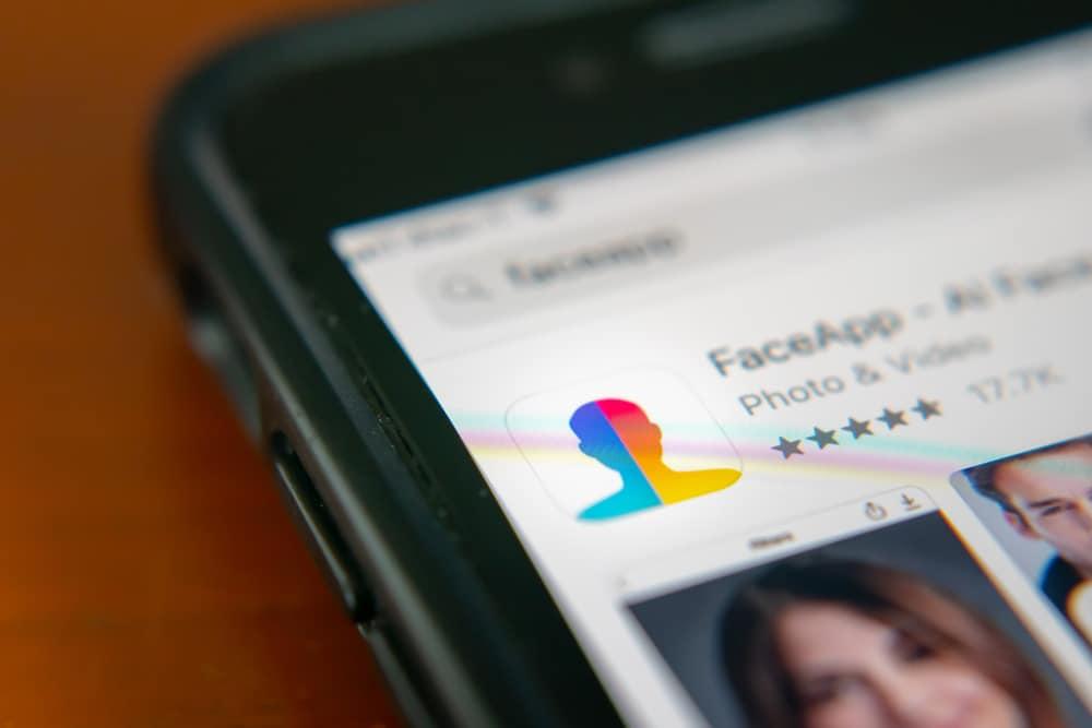 Imagem mostra o aplicativo FaceApp em página da Play Store