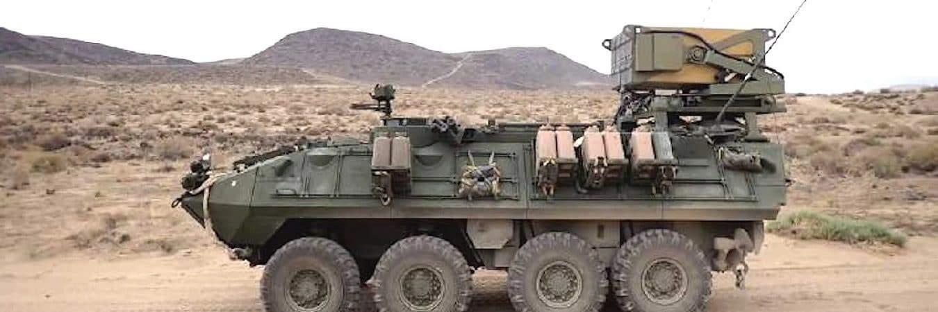 Veículo blindado LAV-M, do Exército dos EUA, equipado com drones suicidas