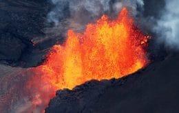 """Vulcão Kilauea entra em erupção no Havaí e expele """"cabelos de vidro"""""""